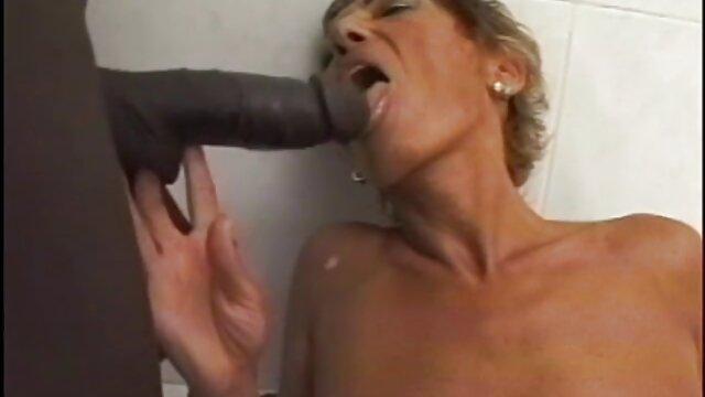 Putas latinas besándose, video japonesas xxx lamiendo y masturbándose Pt 5
